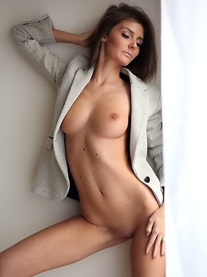 Sunshine A portrays a hot corporate chick who loves showcasing her long and slender body and well-proportioned assets.